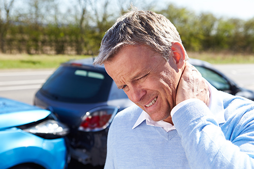Whiplash Neck Pain? See Your Chiropractor Now!